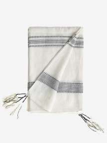 By Malene Birger Zurisa scarf - soft white