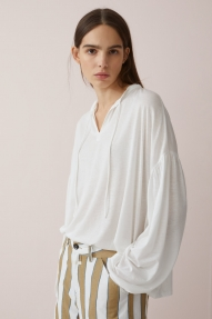 Closed blouse with stand-up collar - ivory
