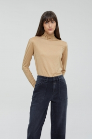 Closed Longsleeve with Bow-Tie sandstone