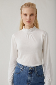 Closed women's top off white